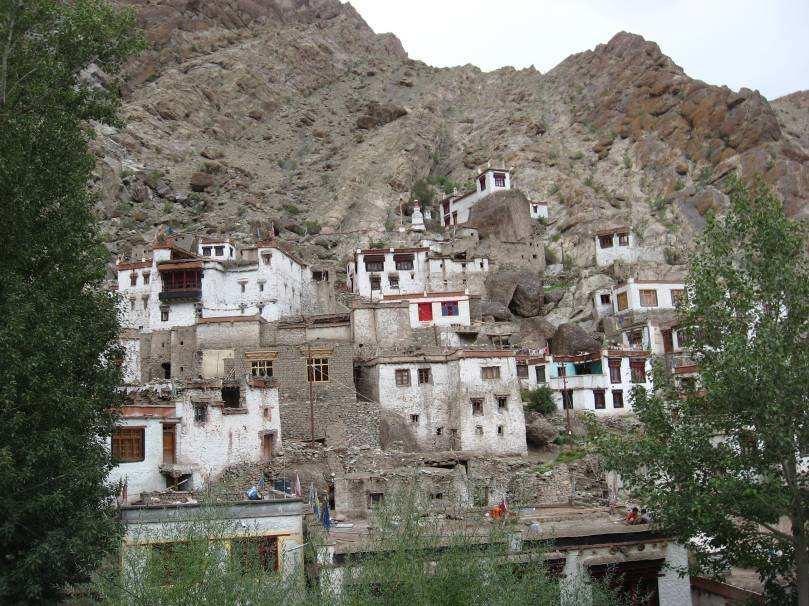 viaje-por-la-india-desconocida-monasterios