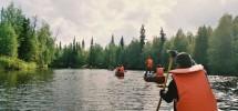 KIRUNA - NAVEGACIÓN EN CANOAS EN EL LAGO ENONTEKIO, FINLANDIA