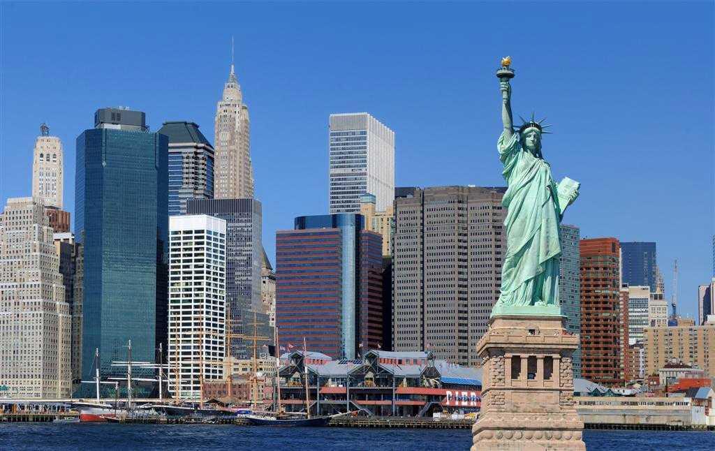 Lugares y destinos más baratos para viajar según la temporada del año