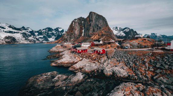 viaje-a-noruega-lagos-senderismo