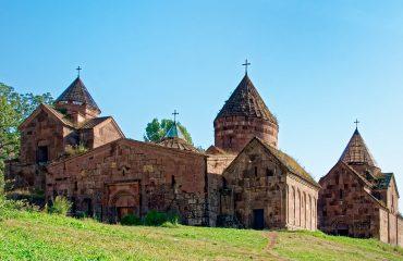viaje-a-armenia-monasterio