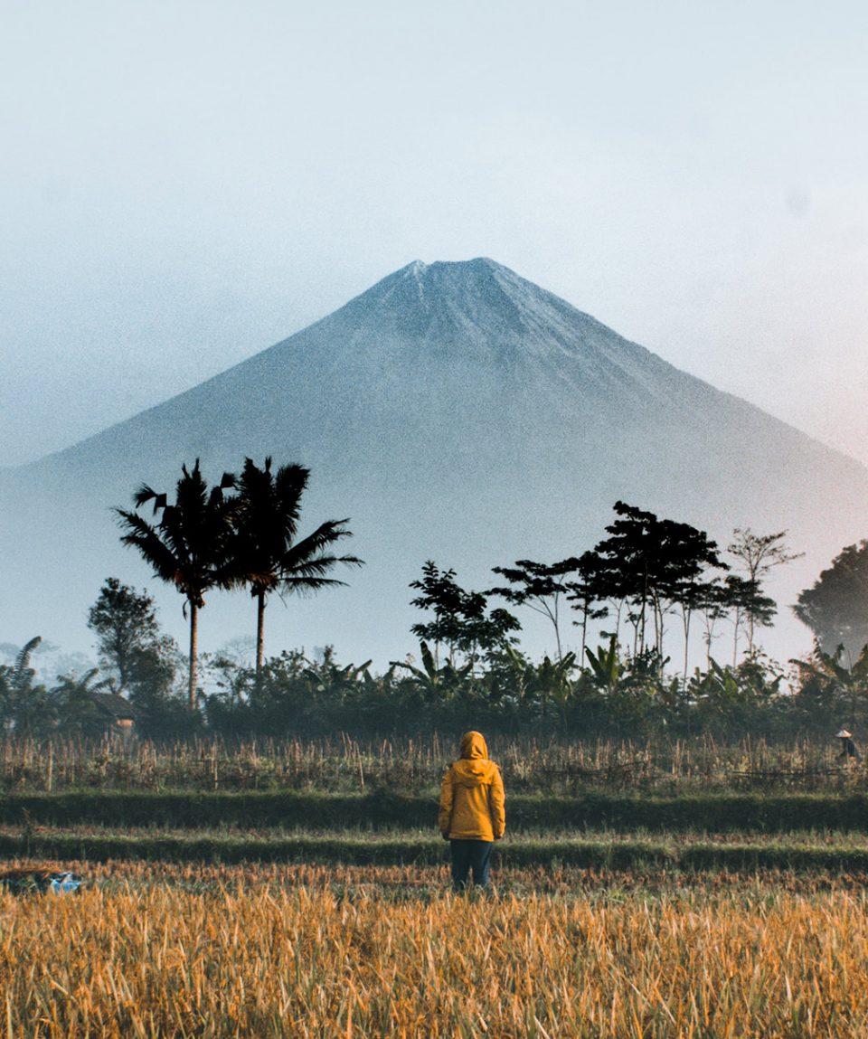 viaje-a-indonesia-volcan