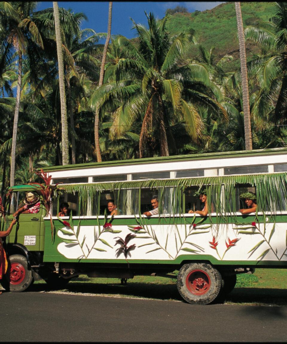 Le moyen de transport  local de Tahiti et ses îles est le truck.